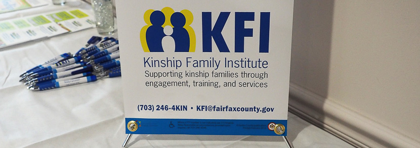 Kinship table display