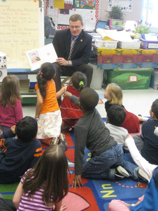 Supervisor McKay reading for Read Across America