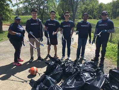 Capital One Team Offers Service at Pine Ridge Park