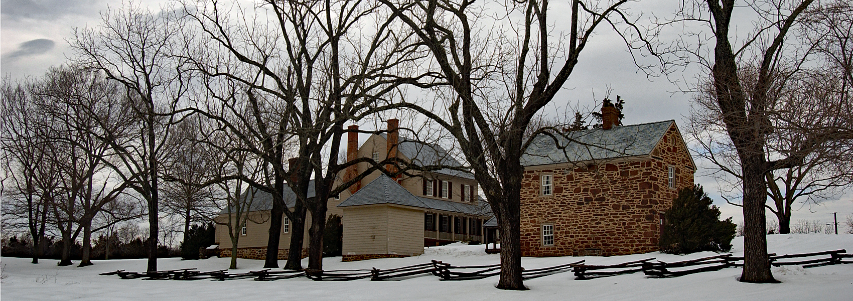 Sully's historic house in snow