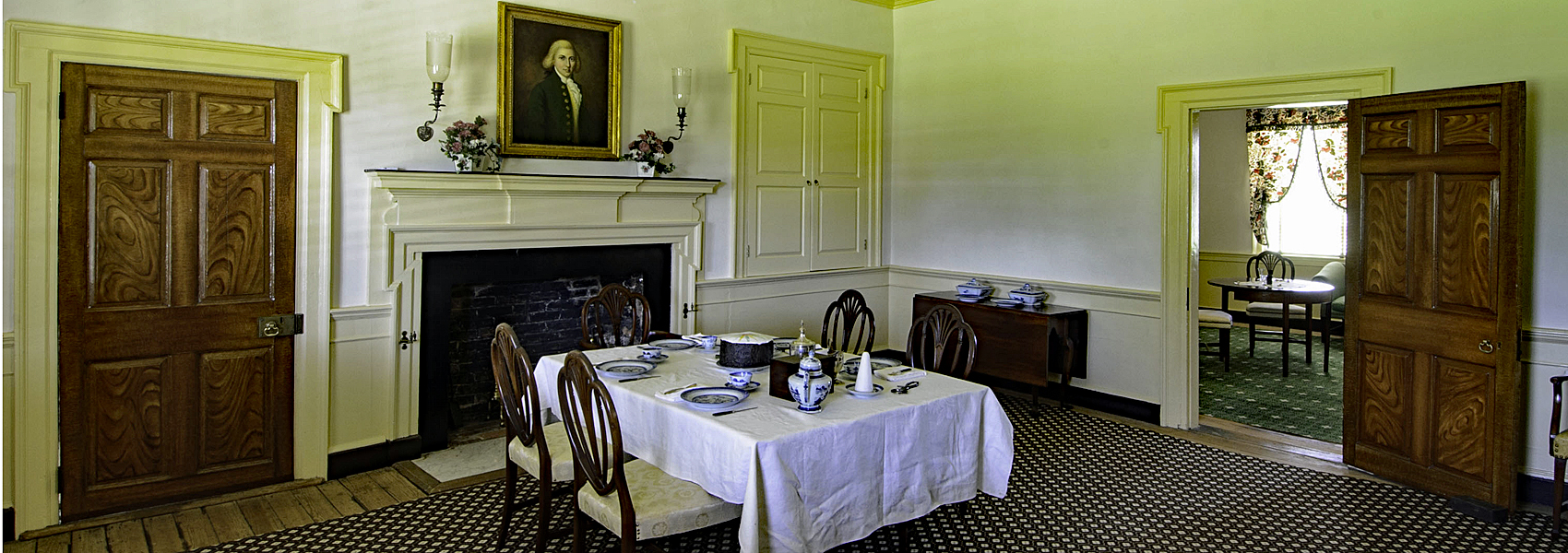 Dining room in Sully's main house