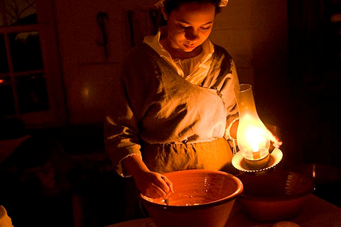 Treat Yourself to Candlelight Tours at Historic Sully