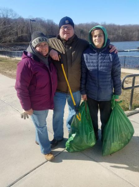 Volunteers Clean Up Lake Accotink Park on MLK Day of Service