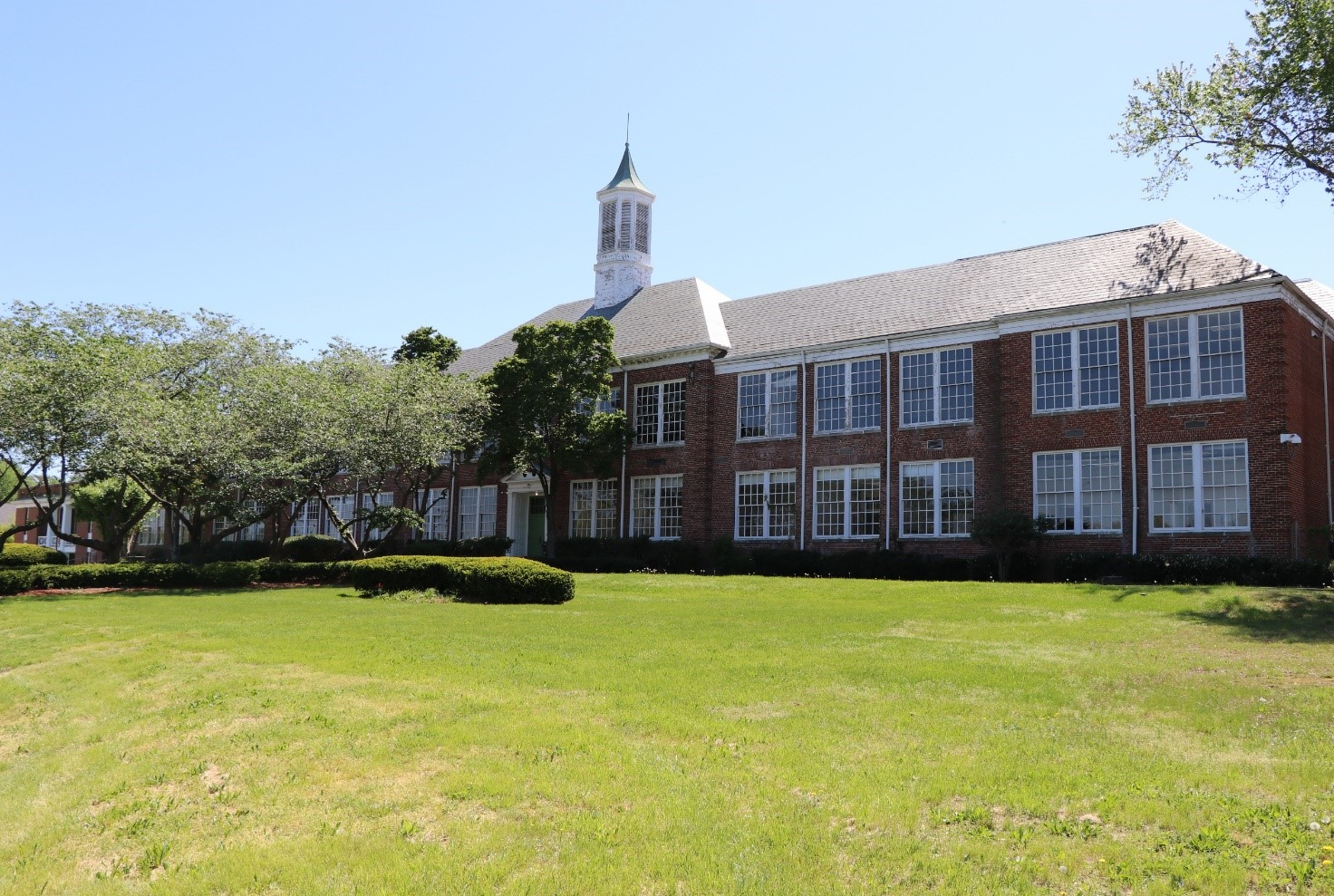 Original Mount Vernon High School Exterior