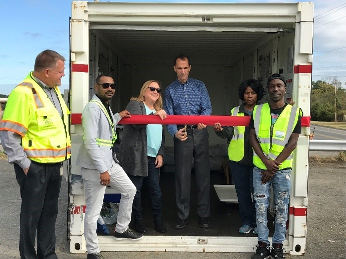 ribbon-cutting-on-the-new-pod